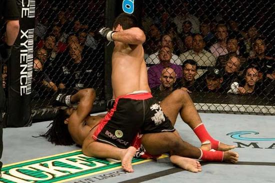 No UFC 79, o brasileiro Lyoto Machida derrotou o camaronês Rameau Thierry Sokoudjou