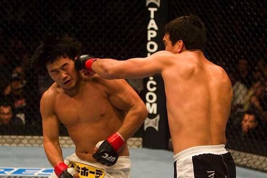O japonês Kazuhiro Nakamura foi a vítima do brasileiro Lyoto Machida no UFC 76