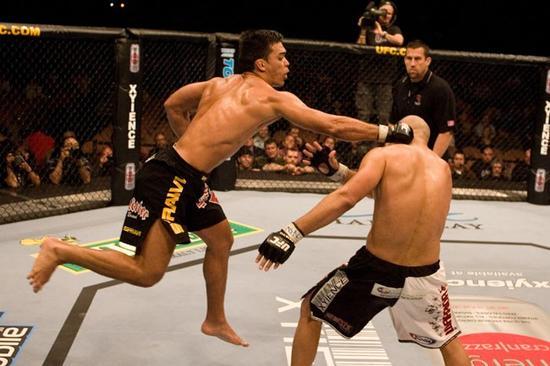 No UFC 67, o brasileiro Lyoto Machida passou pelo norte-americano Sam Hoger