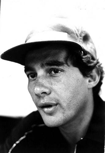 Ayrton Senna concede entrevista em 1985 após vencer GP de Portugal