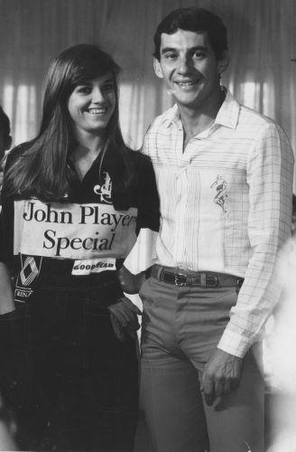 Em 1985, Senna vencia primeira prova e já curtia fama, sendo procurado para fotos