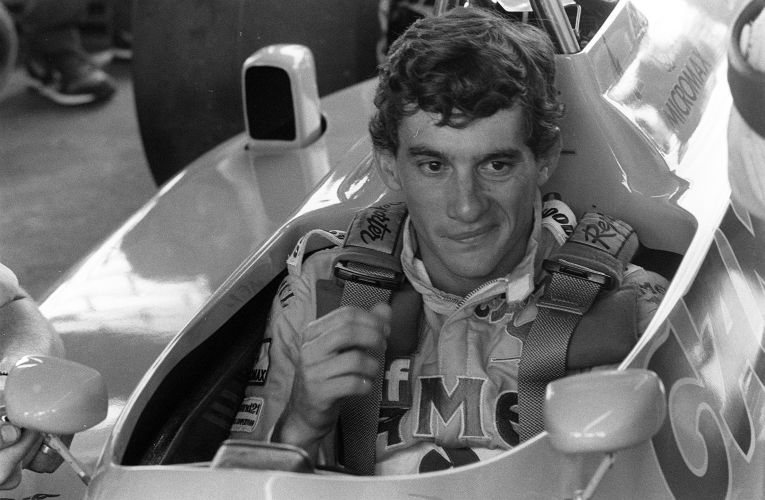 Senna no cockpit da Lotus