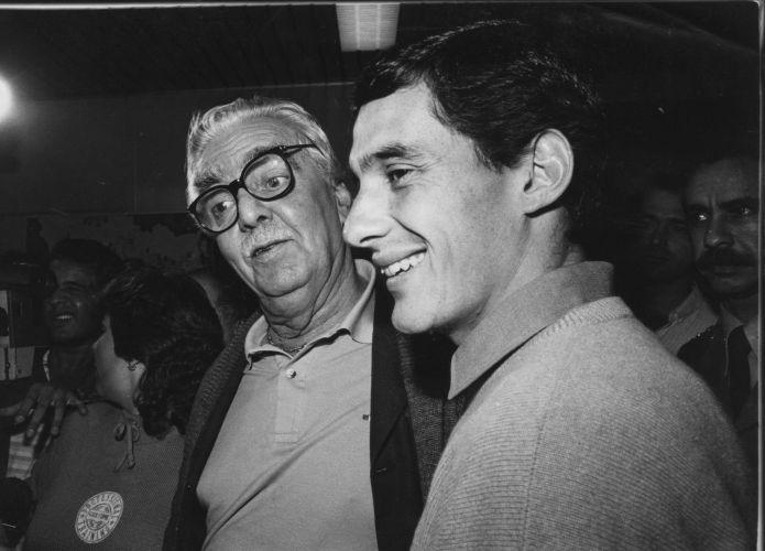 Senna participa de evento com Jânio Quadros, então prefeito de São Paulo