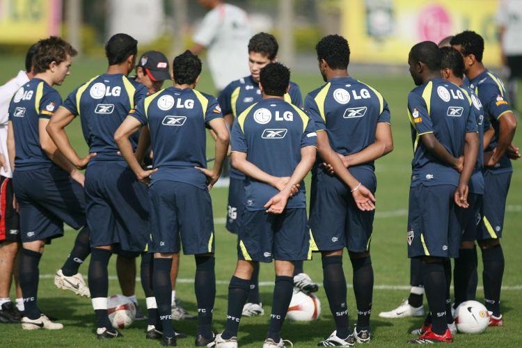 Na campanha do Brasileirão de 2007, Muricy não tinha mais os importantes volantes Mineiro e Josué, mas colocou Hernanes e Richarlyson no lugar e levou o tricolor a mais um título