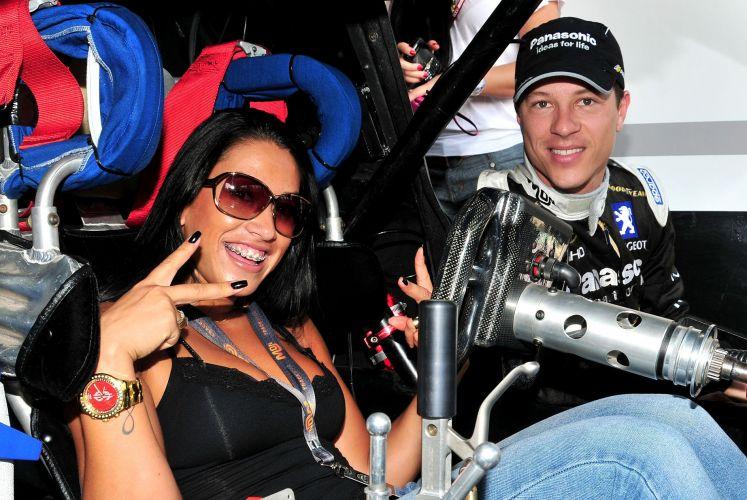 Dani Bolina curtiu o carro de Ricardo Sperafico na etapa carioca. Neste fim de semana, categoria chega ao Rio Grande do Sul, com prova em Tarumã. Corrida pode decidir o campeão.