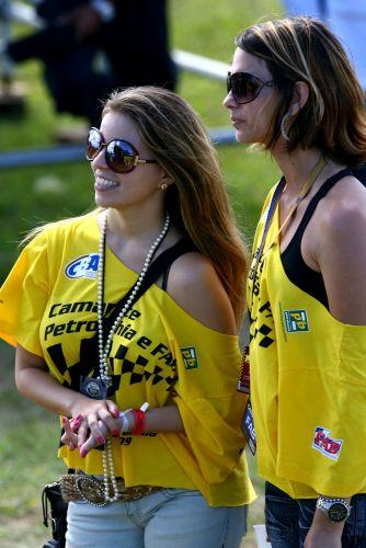 A corrida de rua em Salvador teve grande presença de público e, naturalmente, de lindas mulheres. Neste fim de semana, categoria chega ao Rio Grande do Sul, com prova em Tarumã. Corrida pode decidir o campeão.