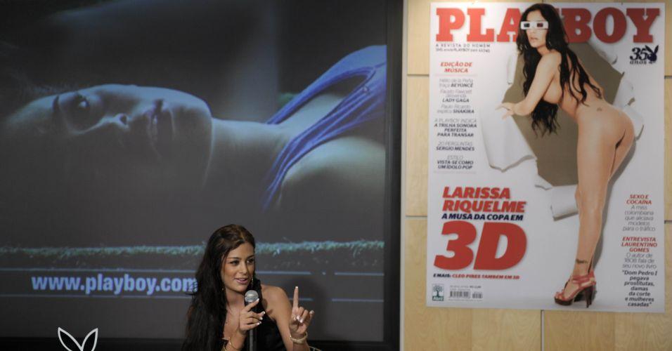 Depois de ter ficado mundialmente conhecida como musa da Copa da África do Sul, a modelo paraguaia Larissa Riquelme lançou a Playboy do mês de setembro, em que está na capa. A revista contará com fotos em 3D no ensaio principal.