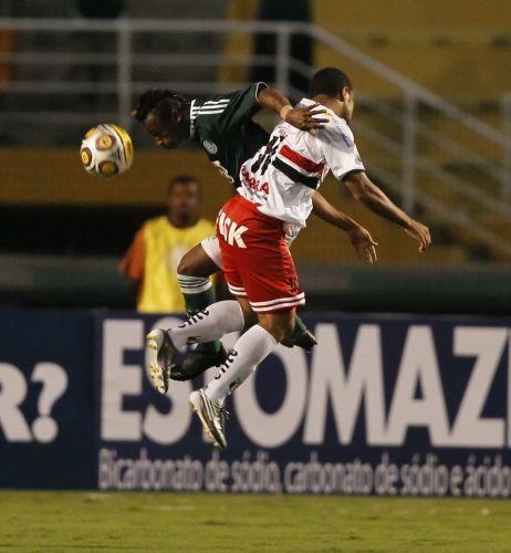 Sob vaias da torcida no Pacaembu, Palmeiras estreia no Paulistão com empate sem gols contra o Botafogo-SP