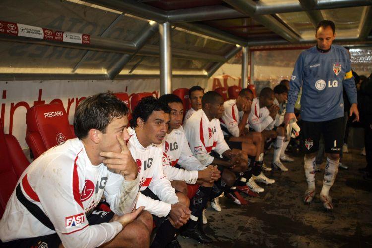 Seguiu uma temporada de decepções com o vice na Libertadores, perdendo a final para o Inter