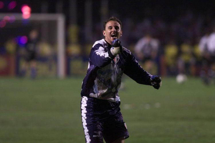 18 de Junho de 2000. Campeonato Paulista. Morumbi, em empate do São Paulo com o Santos por 2 a 2