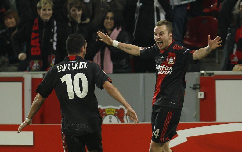 Bayer Leverkusen, de Renato Augusto, saiu na frente, mas cedeu o empate para o Villarreal no primeiro tempo
