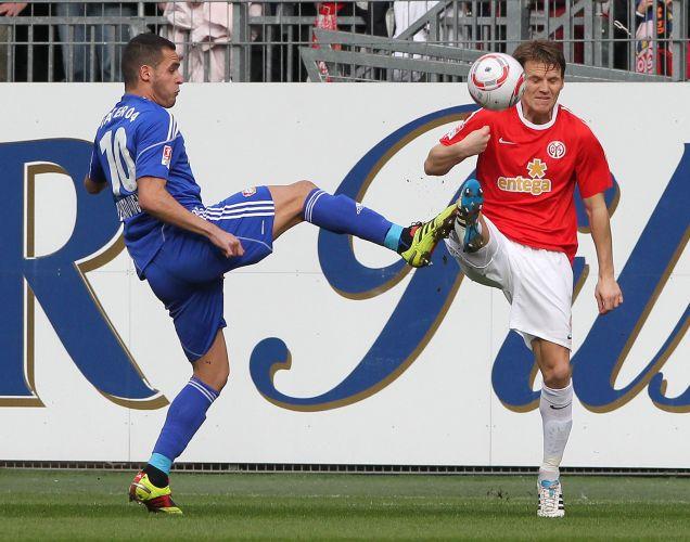 Brasileiro Renato Augusto entra de sola em Polanski no duelo entre Bayer Leverkusen e Mainz