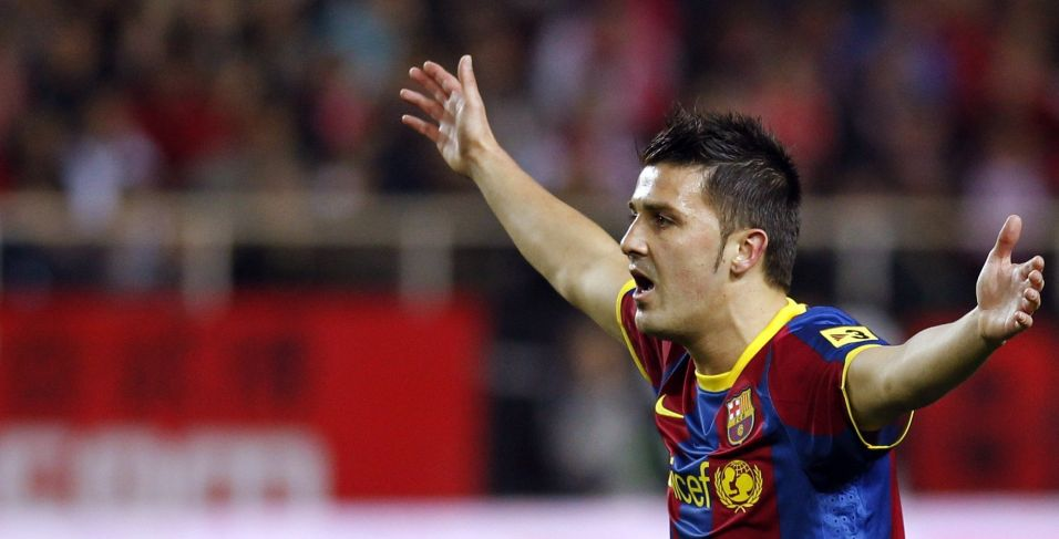 Barcelona, de David Villa, foi até Sevilla para encarar o time da casa e tentar manter a arrancada na liderança