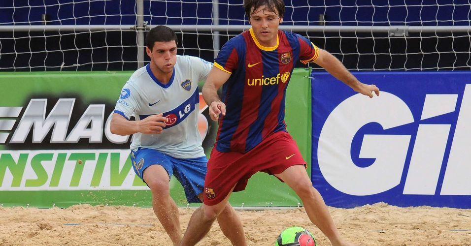 O Barcelona manteve 100% de aproveitamento no Mundialito de clubes de futebol de areia ao passar com facilidade pelo Boca Juniors por 7 a 2. A equipe espanhola lidera o grupo B após duas vitórias. Os argentinos perderam os três jogos que disputaram