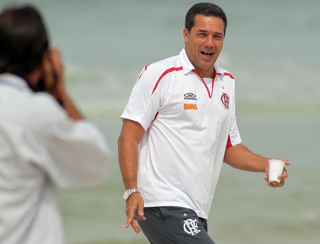 Treiandor Vanderlei Luxemburgo comanda treino da equipe do Flamengo, nesta quarta-feira. Comissão técnica aproveitou semana sem jogos para melhorar condição física do elenco