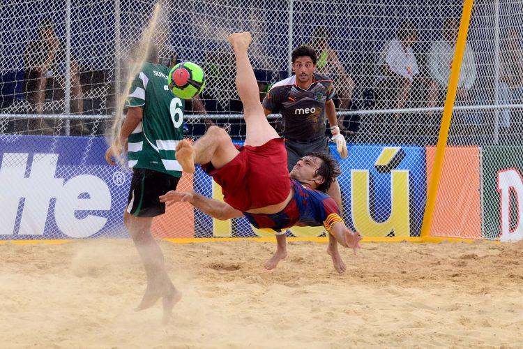 O Barcelona foi derrotado pelo Sporting Lisboa, goleado por 8 a 1 nesta quinta