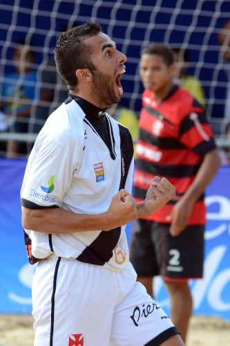 Bruno Xavier comemora na vitria contra o Flamengo, na semifinal