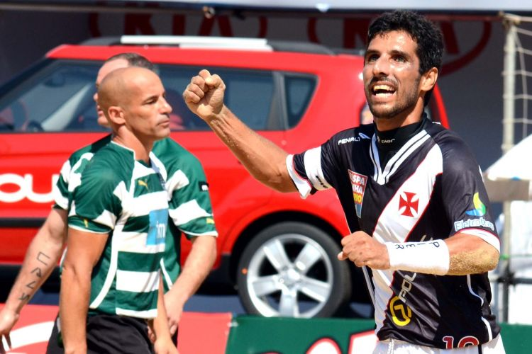 Vascaíno Jorginho comemora no título conquistado pela equipe na manhã deste sábado em São Paulo