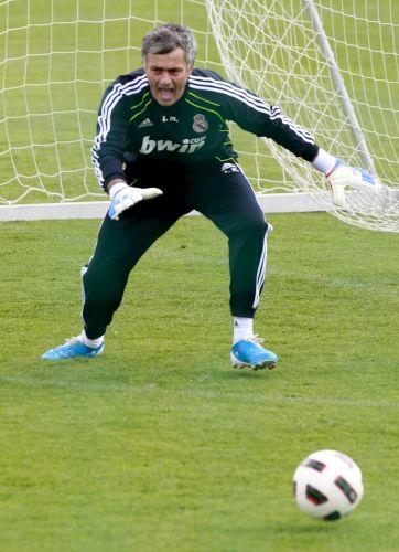 Mourinho mostra dedicação no duelo contra os jornalistas setoristas do Real Madrid