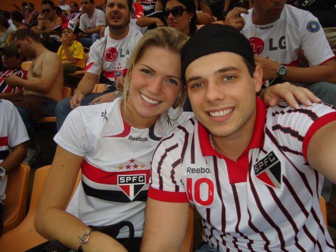 Além das amigas, Victoria também levou o namorado para acompanhar o centésimo gol de Rogério Ceni.