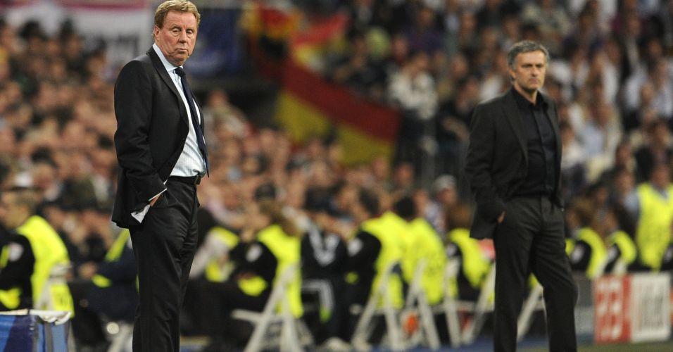 Treinadores José Mourinho, do Real Madrid, e Harry Redknapp, do Tottenham, comandam seus times durante partida pelas quartas de final da Liga dos Campeões no Santiago Bernabéu