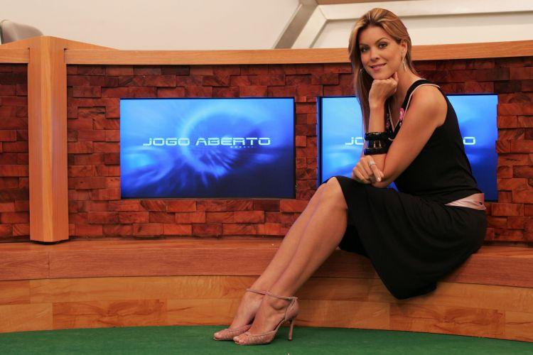 Depois de vencer o concurso de miss Brasil, Renata Fan cursou jornalismo e começou a trabalhar na televisão ao lado de Milton Neves; a apresentadora, advogada e ex-modelo é noiva do piloto de Stock Car Átila Abreu