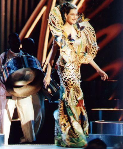 Depois de ser Miss Brasil, Renata disputou o concurso em âmbito mundial e terminou em décimo segundo lugar