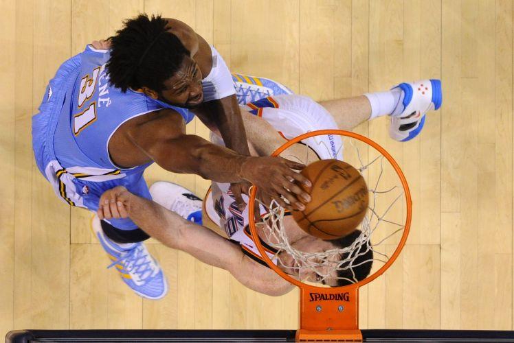 Nenê teve bom desempenho na partida entre Oklahoma City Thunder e Denver Nuggets; brasileiro marcou 22 pontos, além de pegar oito rebotes, e comandou os Nuggets durante quase 34 minutos em quadra
