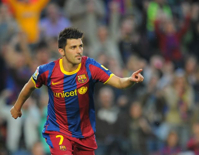 Atacante Villa comemora ao marcar na vitória de 2 a 0 do Barcelona contra o Osasuna pelo Espanhol
