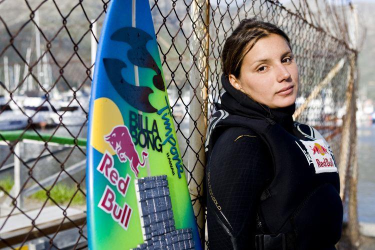 Além de brilhar no surfe, Maya Gabeira também carrega o status de musa