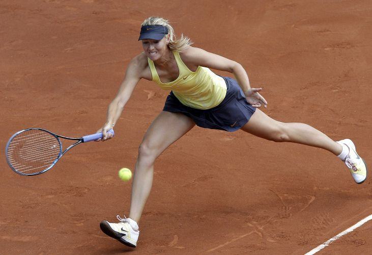 Maria Sharapova se esforça em vitória sobre a holandesa Arantxa Rus no Masters de Madri