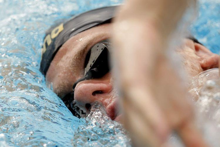 Buscando o bicampeonato mundial, Cesar Cielo se prepara nadando no Troféu Maria Lenk, no Rio de Janeiro.