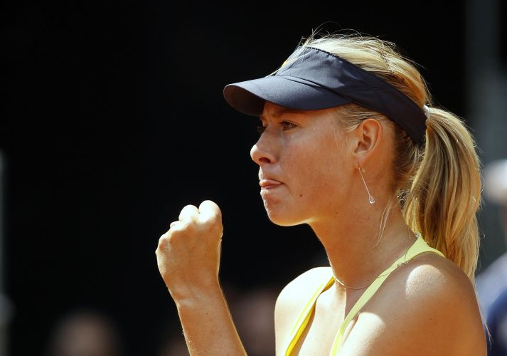 Maria Sharapova vibra após conquistar ponto; em duelo contra a compatriota Ekaterina Makarova, tenista venceu por 2 sets a 1 (parciais de 6-3, 3-6 e 6-1) e avançou para a terceira rodada do Torneio de Madri