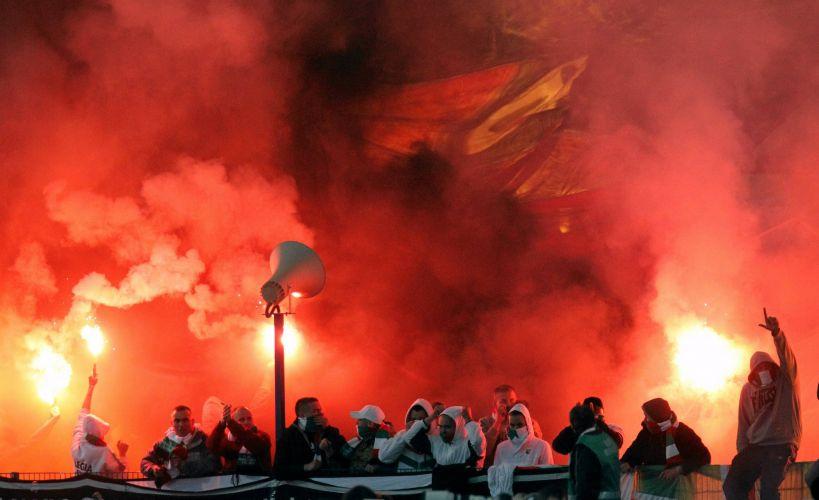Hooligans causaram prejuízos de US$ 13 mil no estádio e levantou discussões sobre a segurança no futebol do país