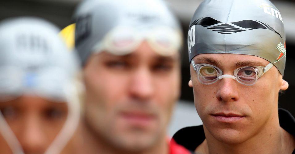 Nadador Cesar Cielo se prepara para a disputa dos 50 m livre no Troféu Maria Lenk; ele venceu com 21s95