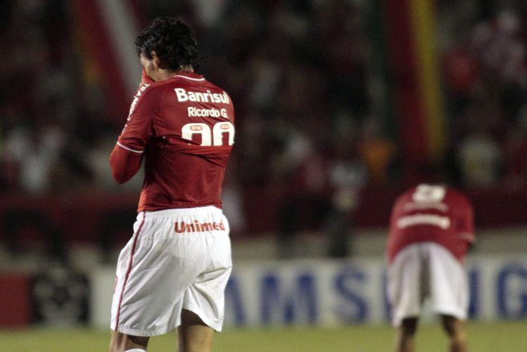 Ricardo Goulart chora após a eliminação do Internacional na Copa Libertadores
