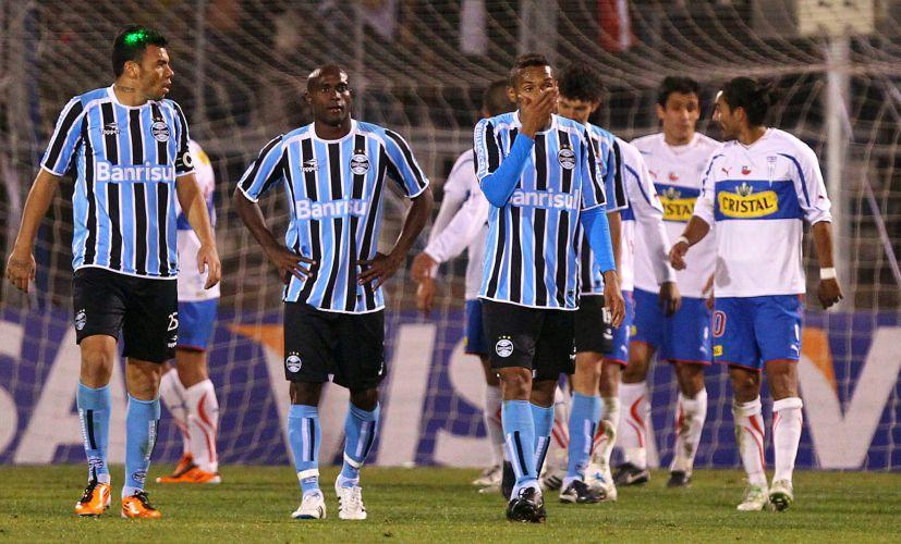 Gremista lamentam a eliminação da equipe para o Universidad Católica, do Chile, na Copa Libertadores