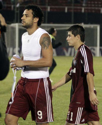 Fred e Conca deixam gramado após eliminação do Fluminense na Copa Libertadores