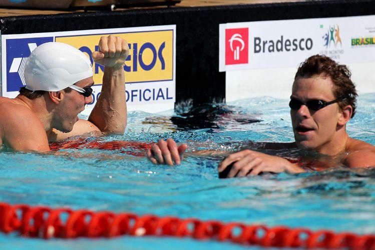 Bruno Fratus venceu a semifinal dos 100m livres no Troféu Maria Lenk; Cesar Cielo terminou a prova na segunda posição