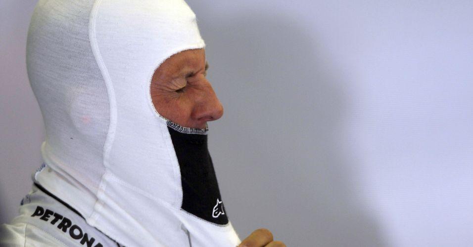 Alemão Michael Schumacher veste a balaclava durante os treinos livres na Turquia; heptacampeão foi o quarto mais rápido do dia