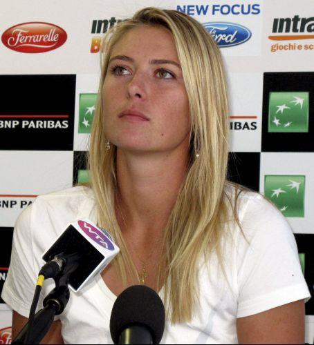 A tenista russa Maria Sharapova concede entrevista coletiva à imprensa antes de iniciar sua participação no tormeio de Roma.