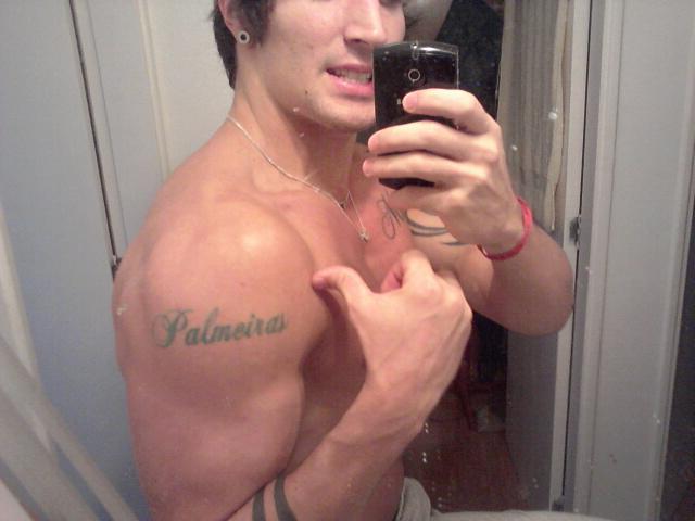 André Candella tatuou nome do Palmeiras no braço como presente de aniversário:
