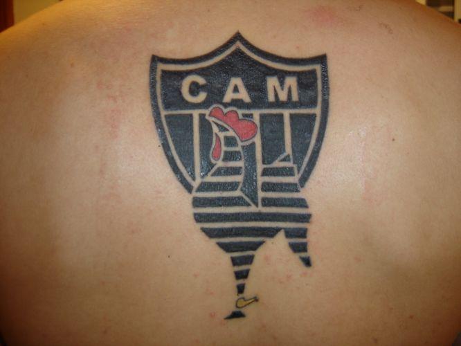Paulo Cezar Dias Junior tatuou o escudo do Atlético-MG uma semana após o rebaixamento do clube em 2006: