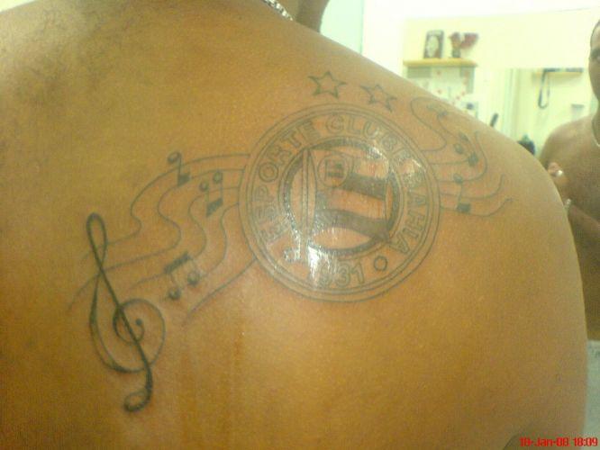 Nathália Ottoboni Galdino fez sua tatuagem no dia 23 de março do ano passado.