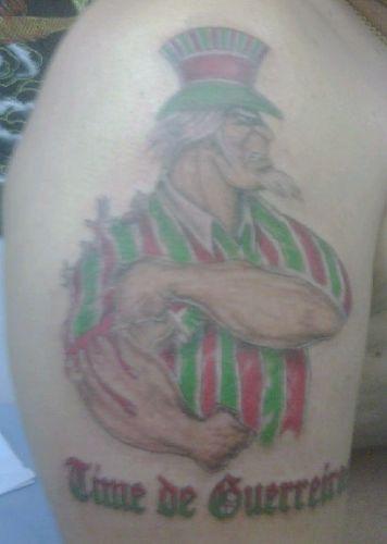 José de Ribamar Lima Sousa Filho fez a tatuagem para carregar o Sport como uma