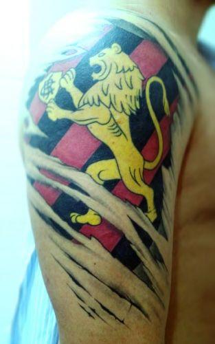 Alisson Fernando Lima Holzschuh justificou a tatuagem do Grêmio da seguinte maneira: