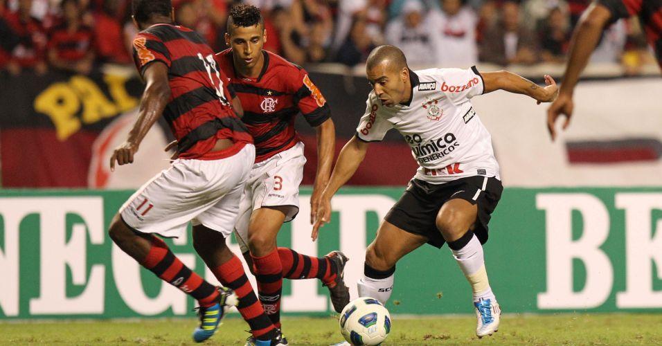 Emerson entrou no segundo tempo e teve sua estreia no Corinthians