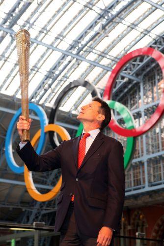 O presidente do Comitê Organizador dos Jogos, Sebastian Coe (foto), destacou na apresentação da tocha olímpica que o revezamento da chama é um dos grandes símbolos das Olimpíadas