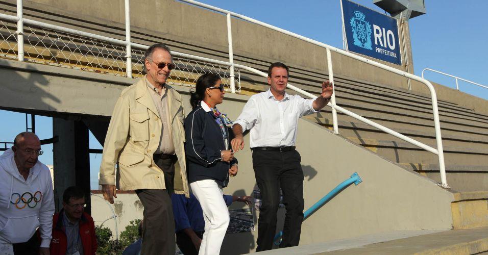 Carlos Nuzman, Nawal El Moutawakel e Eduardo Paes visitam o sambódromo nesta quarta-feira