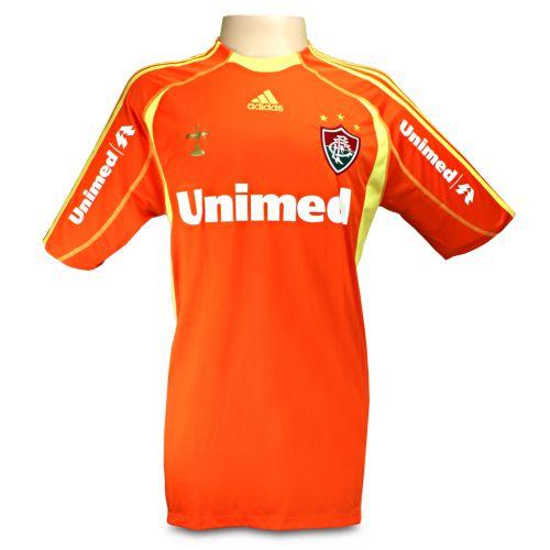 Camisa laranja fez sucesso e virou moda entre os torcedores do Fluminense  Divulgação Mais ... 87c95fe41de12